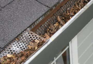 L'installation d'une gouttière pour sublimer votre toiture