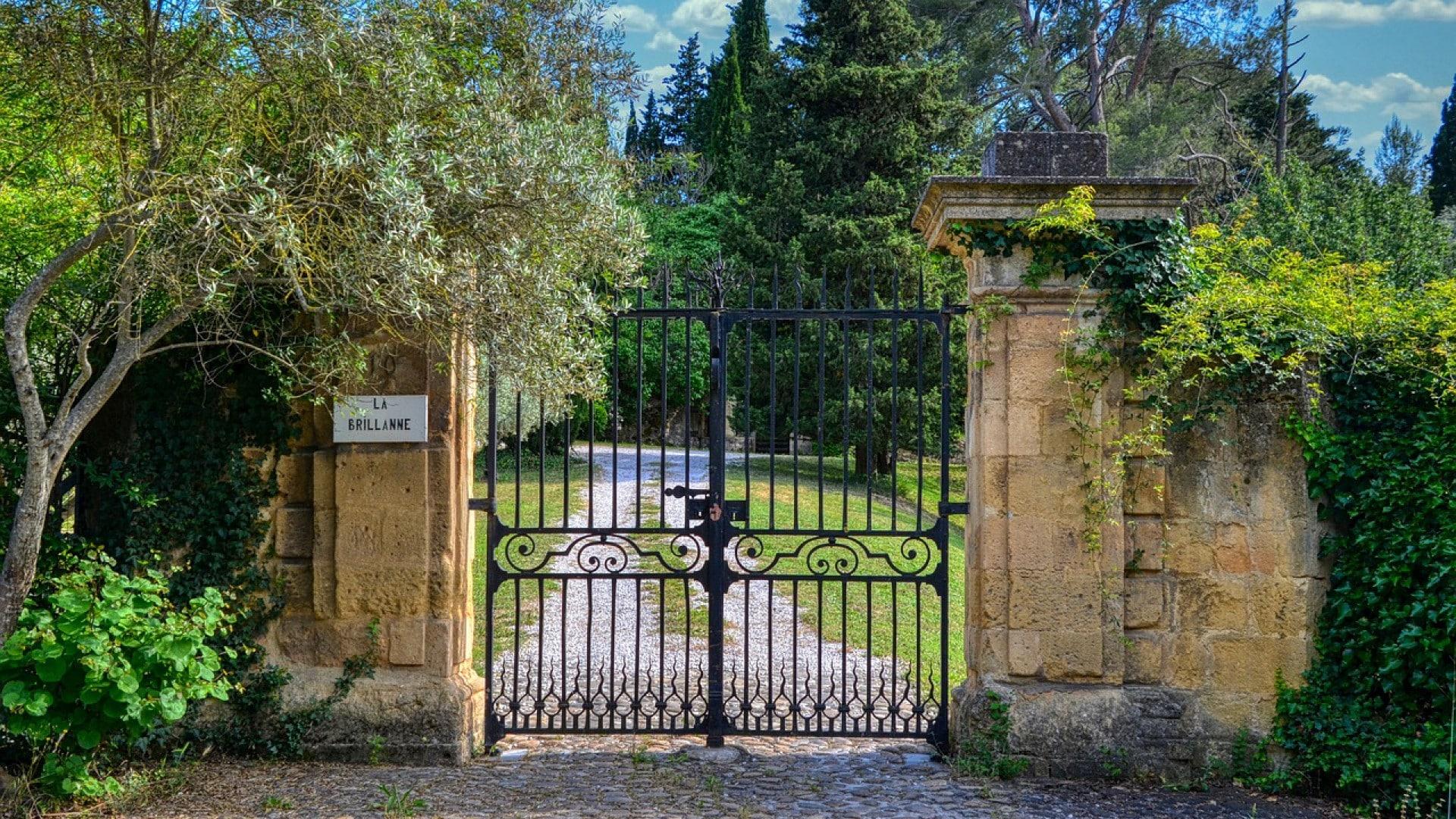 Quels sont les atouts du portail en PVC pour votre habitat ?
